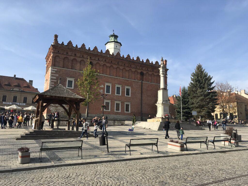Rynek w Sandomierzu z ratuszem